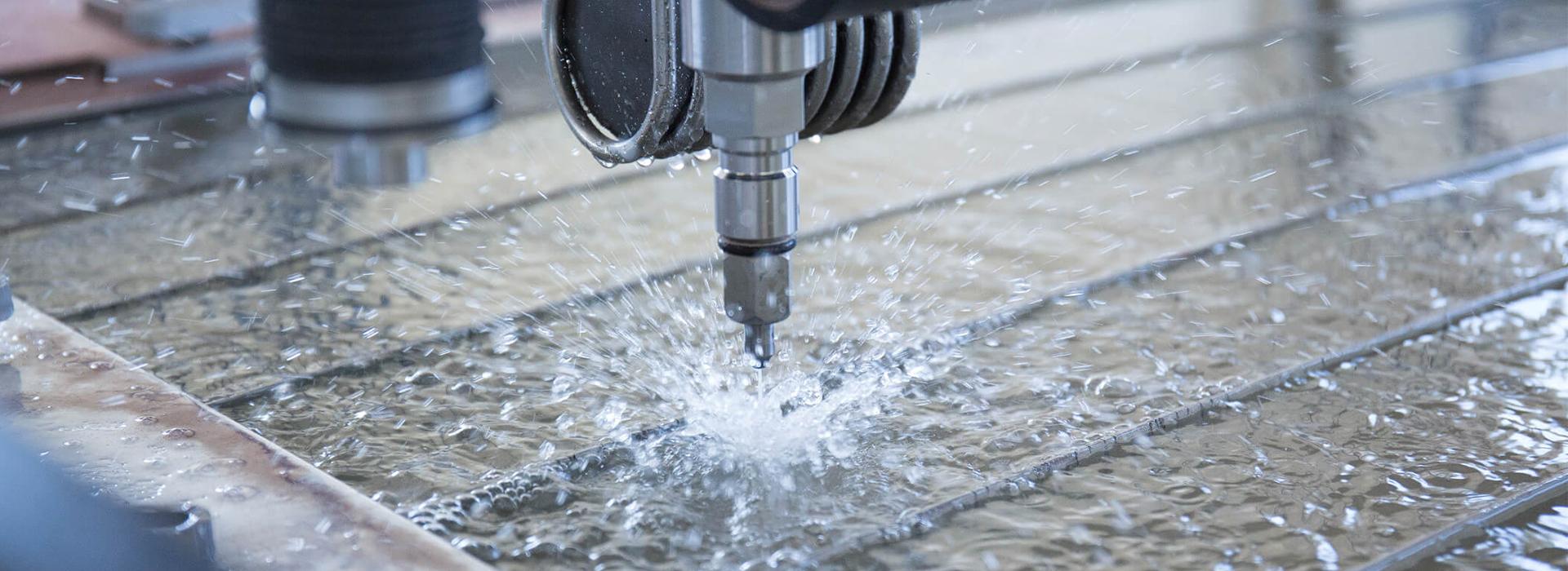 Wasserstrahlschneiden - Schnell Präzise Kostengünstig